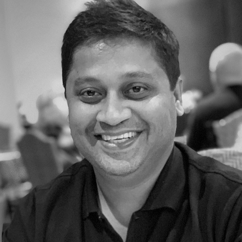 Mandar Thakur-COO of Times Music,he helped set up the path-breaking 24-hour music television station Channel [V]-India,pioneered the digital music in Asia
